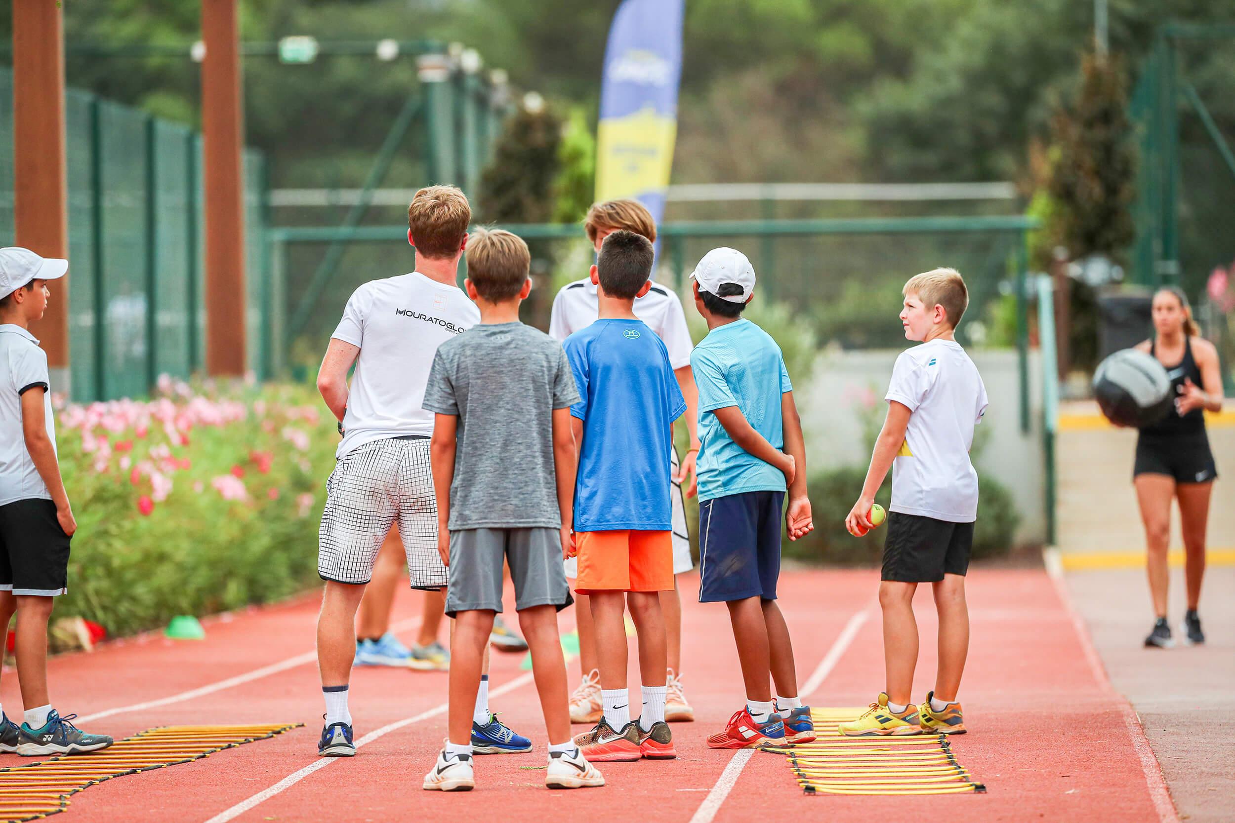enfants-tennis-groupe