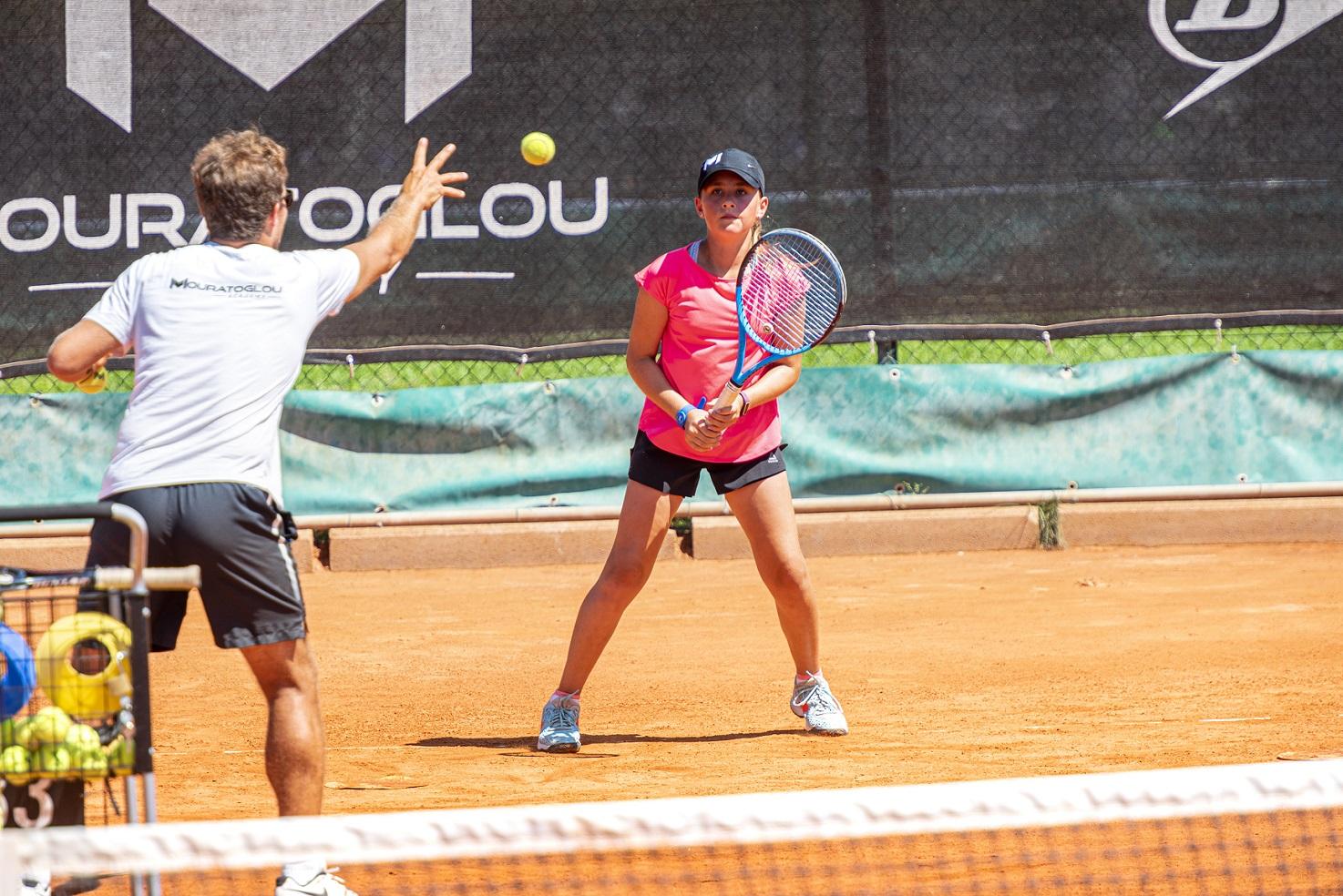 joueuse tennis entrainement