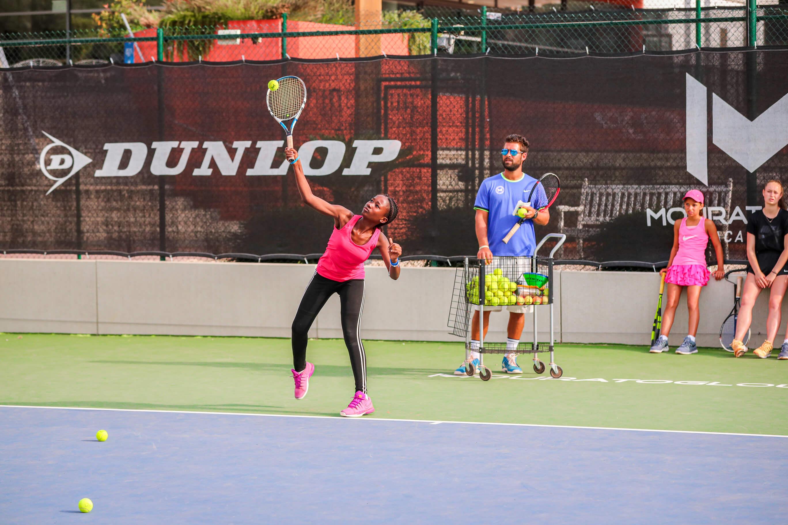 jeune-tennis-entrainement